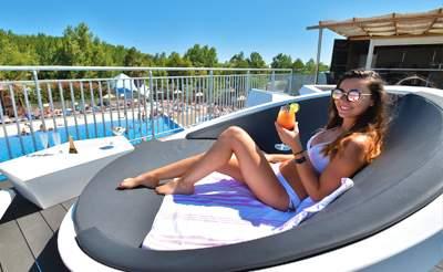 terrasse vip vue piscine