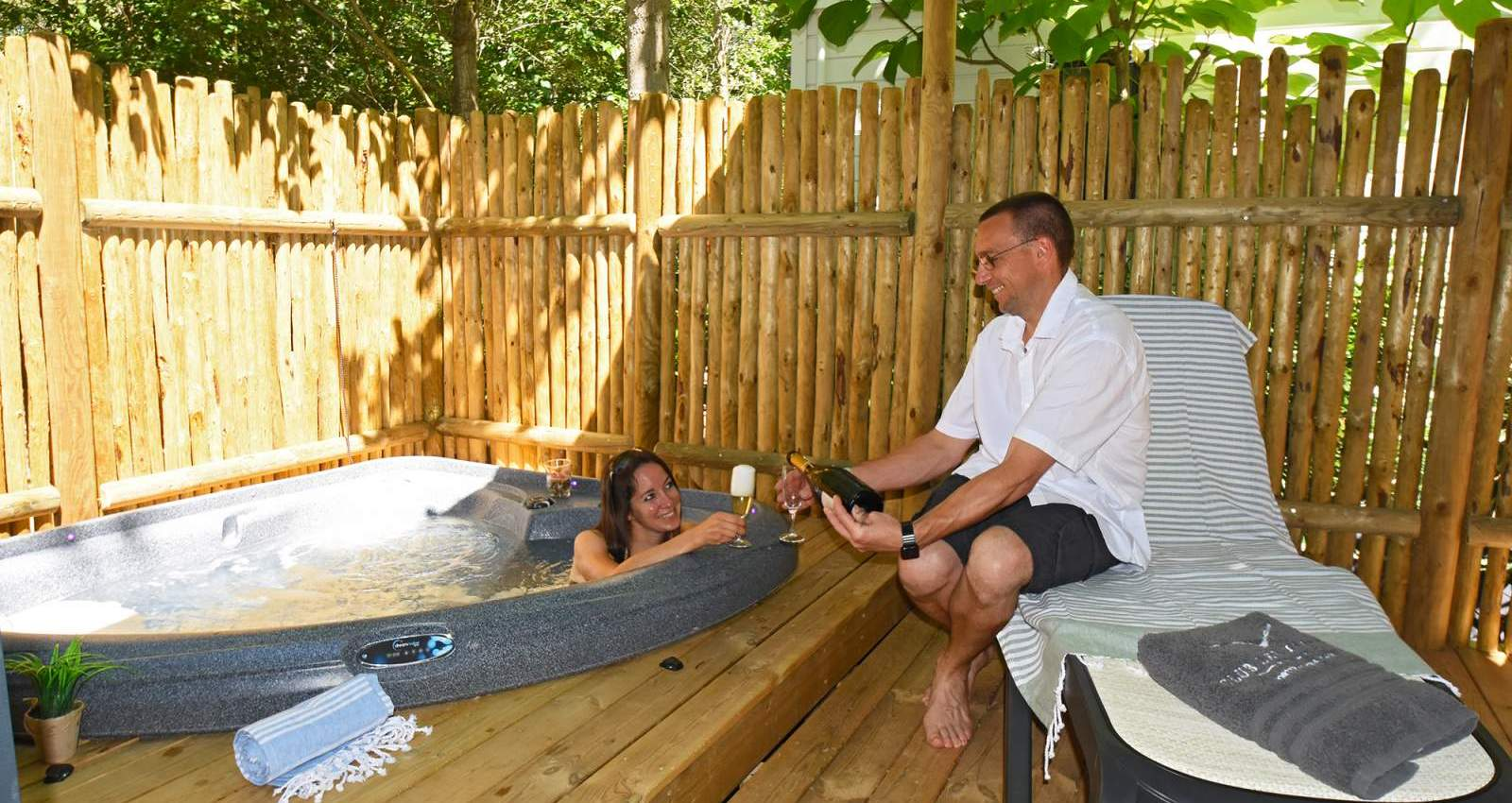 Mobile home rental with jacuzzi in Portiragnes - 2 to 3 people